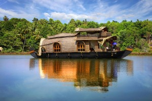 53_Luxury-Boat-in-Kerala