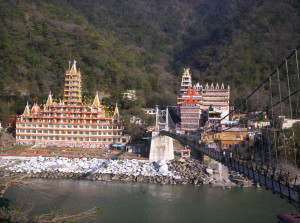 Rishikesh_view_across_bridge